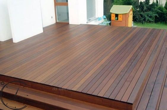 montirujem dereviannije terasi Terrasseninstallation Terrasseneinbaupreis (11)